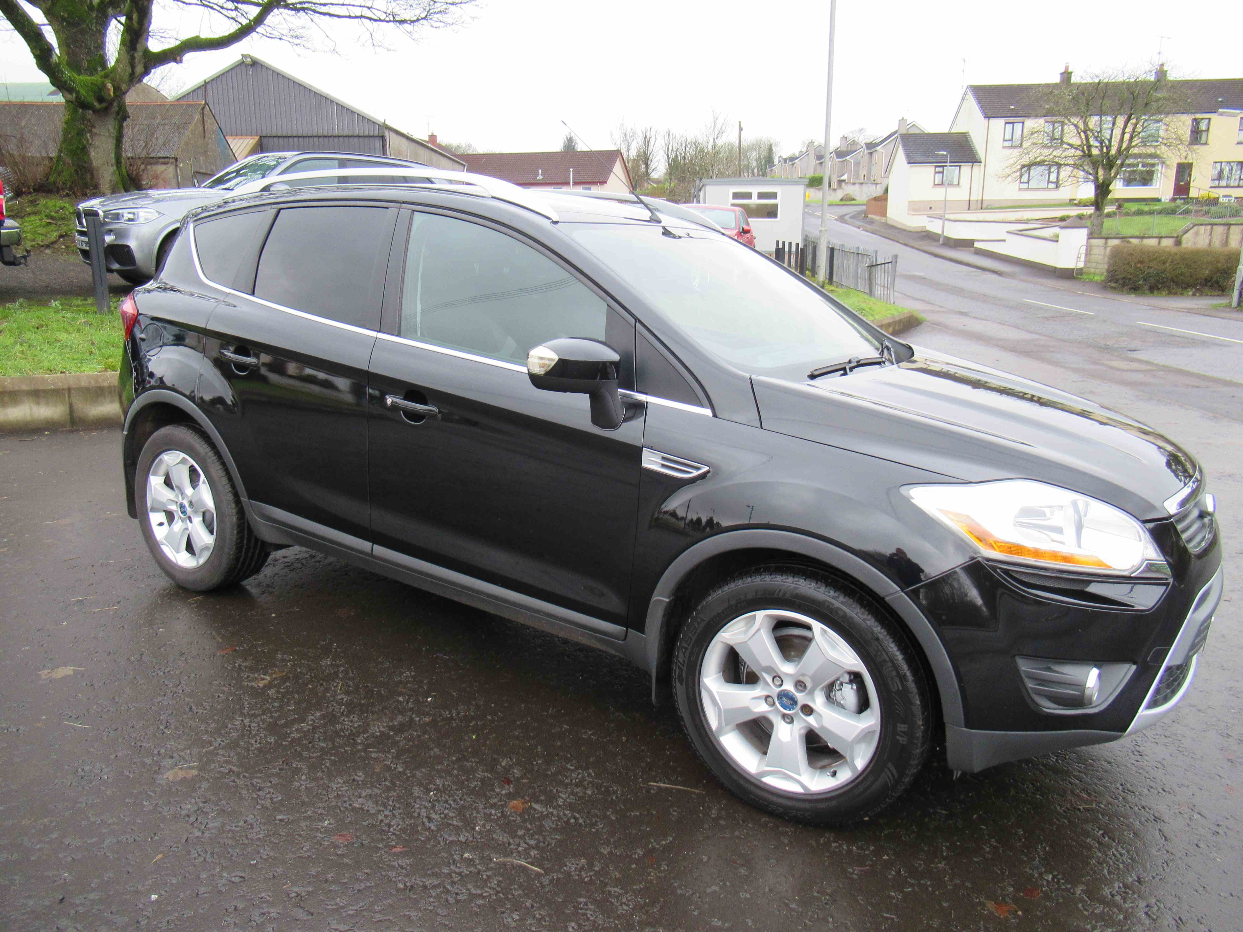 Clean, tidy Kuga 2.0 TDCi just turned 100k, sold with 6 months warranty, give Sean a call on 07970936458 or 02879401371 to arrange a viewing or for a finance quote, also delivery can be arranged